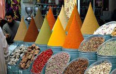 Marrakech-market-spices.jpg (600×382)