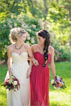 lovely wedding dress and red maid of honor dress Bridesmaid Poses, Bridesmaid Pictures, Bridal Pictures, Brides And Bridesmaids, Bridesmaid Dresses, Wedding Picture Poses, Wedding Photography Poses, Wedding Poses, Hk Photography