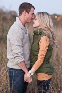 Engagement Photo Outfits, Fall Engagement, Engagement Couple, Engagement Pictures, Engagement Session, Engagements, Couple Photography, Engagement Photography, Wedding Photography