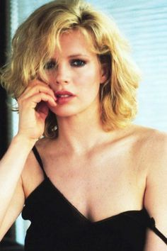 Kim Basinger, looks age-defying as she shows off her youthful glow Kim Basinger, 80s Fashion, Look Fashion, Fashion Music, Beautiful People, Beautiful Women, Bond Girls, Actrices Hollywood, Hollywood Icons