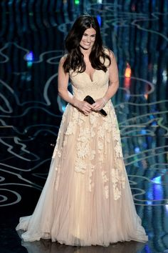 """Pin for Later: The 46 Best Pictures From Last Year's Oscars!  Despite an improper introduction by John Travolta, Idina Menzel took the stage for an amazing rendition of """"Let It Go."""""""