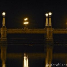 Puente del Kursaal, San Sebastián, España. Foto de Ander Morea Light Bulb, San, Lighting, Home Decor, Countries, Backgrounds, Decoration Home, Room Decor, Light Globes