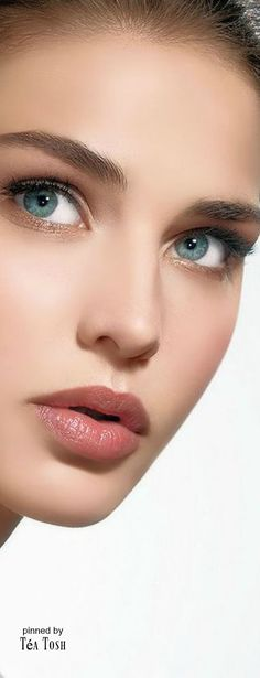 We all love eye makeup tutorial compilation videos and images, so here you go! As requested by most of our viewers, we are bringing you different eye makeup looks to match your everyday Lovely Eyes, Most Beautiful Faces, Girl Face, Woman Face, Portrait Photos, Mode Poster, Interesting Faces, Beautiful Indian Actress, Pretty Face
