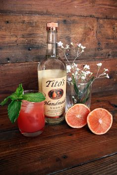 TITO'S SAGE AND GRAPEFRUIT SPLASH (second recipe)  Courtesy of Chef Jack Gilmore, Jack Allen's Kitchen note: in teh video he uses a 2:1 water:honey mixinstead of simple syrup (http://www.finecooking.com/moveablefeast/episodes/austin-texas.aspx)