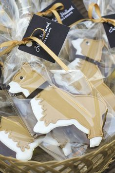 Juliet Stallwood, baker: Corgi-shaped iced biscuits (cookies) in a gift bag. Iced Biscuits, Dog Biscuits, Corgi Facts, Cat Cookies, Sugar Cookies, Cookie Packaging, Biscuit Cake, Galletas Cookies, Cookie Designs