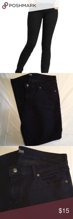 """Old Navy Diva Black Skinny Jeans In perfect, like new condition. Old Navy black, Diva, skinnies. Inseam measures 28.5"""". Size 12 short. Old Navy Jeans"""