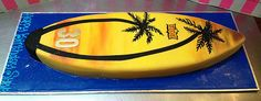 Surfboard cake with palm trees and sunset Surfboard Cake, Surf Cake, Sweet 16 For Boys, 40th Cake, Beach Cakes, Birthday Cakes, 12th Birthday, Birthday Ideas, Cakes For Men