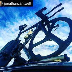 Have a nice weekend 🚴🚵  #Repost @jonathancantwell  ・・・  Looking forward to the first @2xutriathlonseries this Sunday #2xu #triathlon #triathlonlife #swiftcarbonaustralia #speedprocycling #aerobike #gofast #melbourne #sunshine #swim #run #bike