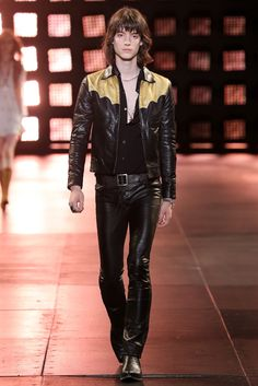 Explore the looks, models, and beauty from the Saint Laurent Spring/Summer 2015 Menswear show in Paris on 29 June 2014 70s Fashion, Paris Fashion, Fashion Show, Rock Fashion, Fashion 2015, Fashion Menswear, Fashion Studio, Fashion Spring, Runway Fashion