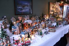 one day my xmas village will be this huge.!!  1/4 the way there. ;)