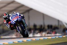 MotoGP: Jorge Lorenzo takes victory in French GP / 2015年5月17日、フランスのLe Mansで「French GP」の決勝が行われ、スペインのJorge Lorenzo(Movistar Yamaha MotoGP)が優勝し、今季2勝目を上げた。