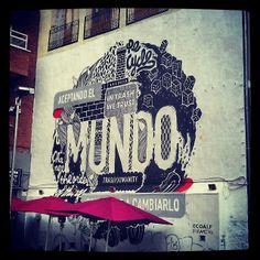 Aceptando el mundo... #madrid #madridmemola #streetart #arteurbano   Flickr: Intercambio de fotos