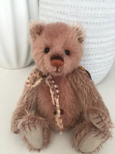 Diddy Minimo Mohair Teddy Bear no 360 Charlie Bears, Teddy Bears, Hand Stitching, Picnic, Plush, Fabric, Animals, Bears, Tejido