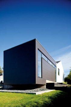 Når vi nu var i gang . Aarhus, Facade, Garage Doors, House Design, Outdoor Decor, Home Decor, Charlotte, Room, Bedroom