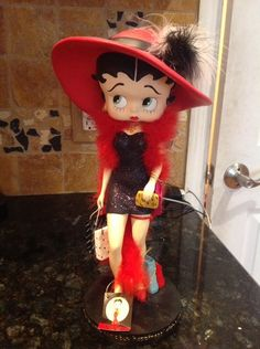 Betty Boop Shopper Figurine 13 1/2 inches Tall, Retired Betty Boop Figurines, Cartoon Icons, Party Shop, Decoration, Coloring Pages, Disney Characters, Fictional Characters, Disney Princess, Parties