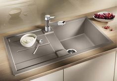 Blanco granitový dřez Metra 5 S tartufo s excentrem 517348 Blanco Kitchen Sinks, Blanco Sinks, Kitchen Taps, Kitchen Cupboards, Storing Spices, Charlotte, Cooker Hoods, Sink Taps, Quality Kitchens