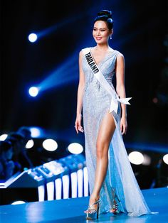 Miss Universe: See The Best Dresses Worn During 2018 Show – Hollywood Life Nice Dresses, Prom Dresses, Formal Dresses, Miss Universe Dresses, Christian Dior Dress, Pageant Gowns, Hollywood Life, Beauty Pageant, Daily Look