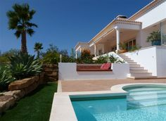 MEXILHOEIRA GRANDE- Beautiful 4 bedroom Villa with pool and exceptional panoramic views