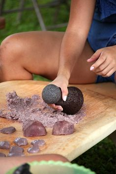 Pounding taro root and making poi! Hawai'i's starch staple is taro, an underground root culturally linked to the birth of the Hawaiian people. Steamed, then pounded into a smooth paste called poi, taro provided sustenance to the native Hawaiian population for centuries.