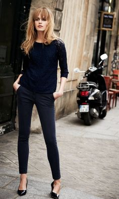 Shopping Q&A: Where Can I Find Everyday Black Skinny Pants? Personal shopping Q&A: where can I find black skinny pants that look similar to these? Find out: … Outfits Inspiration, Outfit Trends, Style Inspiration, Casual Work Outfits, Work Casual, Chic Outfits, Winter Outfits, Mom Outfits, Everyday Outfits
