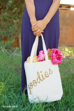 How to make your own painted tote! So cute for shopping, going to the Farmer's market, or class!!