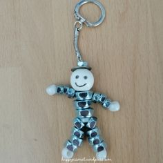Bead Crafts, Diy Crafts, Nut Bolt, Diy Keychain, Diy Doll, Homemade Gifts, Metal Art, Handicraft, Fathers Day