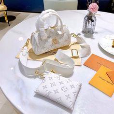 Hermes Handbags, Replica Handbags, Louis Vuitton Handbags, Purses And Handbags, Designer Handbags, Chanel Backpack, Chanel Purse, Chanel Bags, Luxury Purses