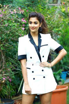 South Indian Actress Photo, Indian Actress Photos, Indian Bollywood Actress, Bollywood Girls, Beautiful Bollywood Actress, Most Beautiful Indian Actress, Bollywood Celebrities, Beautiful Actresses, Hot Actresses