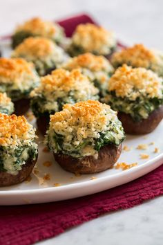 Stuffed Mushrooms - filled with rich cream cheese, tender spinach, melty mozzarella and parmesan, and vibrant garlic then topped with crispy panko bread crumbs. Stuffed Mushrooms Cream Cheese, Cream Cheese Spinach, Stuffed Peppers, Appetizer Recipes, Snack Recipes, Appetizers, Cooking Recipes, Snacks, Healthy Low Calorie Dinner