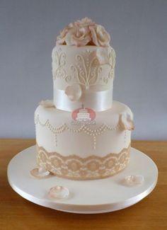 www.cakesbyruth.ie/wedding-cakes/wedding_26