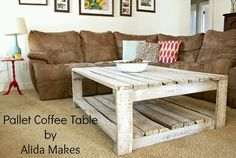 This is mine and my money's favorite look, vintage rustic (and Vikings) all day. :) a huge plus of this diy table; :) DIY pallet coffe table with white wash paint instructions. Pallet Crafts, Diy Pallet Projects, Home Projects, Pallet Ideas, Crate Ideas, Diy Coffee Table, Coffee Table Design, Wood Pallet Coffee Table, Pallet Couch