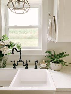 Kitchen Towel Rack, Kitchen Hooks, Bathroom Towel Hooks, Kitchen Hardware, Kitchen Fixtures, Kitchen Decor, Vintage Kitchen Sink, Kitchen Ideas, Kitchen Display