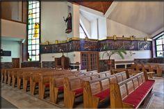 Lewa strona kościoła.