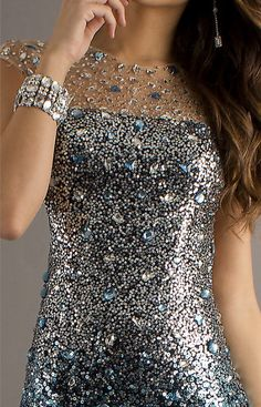 this party season, no such thing as too much when it comes to embellishments.... Because we should all shine... Fabulous!