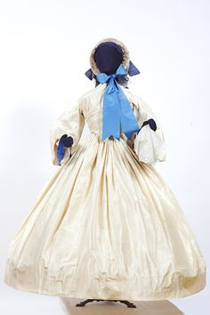 1860 Susan Greene Historic Clothing Collections John L Wehle Gallery Victorian Children's Clothing, Victorian Costume, Antique Clothing, Victorian Fashion, Vintage Fashion, Historical Costume, Historical Clothing, Frock Fashion, Girl Fashion