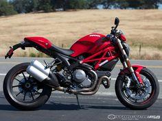 2012-Ducati-Monster-1100-EVO