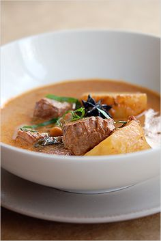 Thai Beef Massaman Curry Recipe | Easy Asian Recipes at RasaMalaysia.com