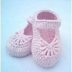 Easy-to-make lovely shoes for baby girl. They will perfect fit on feets, soft & light. Made from 100 % cotton. The pattern are written in American crichet terms & included all diagrams, photos, instructions to show you how to make such shoes. You can use another combination of colors.SKILL LEVEL - EASYPattern shows size: 0-3 months 3-6 months 6-9 months 9-12 months