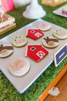 Cute farm-themed cookies by Peace of Cake via Little Big Company. Farm Themed Party, Barnyard Party, Farm Party, Farm Cookies, Iced Cookies, Cute Cookies, Farm Animal Birthday, Farm Birthday, Party Fiesta