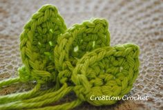 crochet leaf small http://www.cre8tioncrochet.com/2013/03/crochet-bridal-flowers-bridal-bouquet-and-boutonniere/