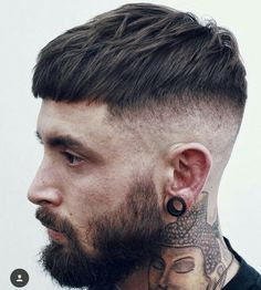25 Cool Hairstyles For Men Guide) Cool Modern Haircuts For Men – Short French Crop with High Bald Fade and Beard - Unique Long Hairstyles Ideas Modern Mens Haircuts, Best Short Haircuts, Popular Haircuts, Stylish Haircuts, Men Haircut Short, Mens Crop Haircut, Men Haircut 2018, Medium Fade Haircut, Punk Haircut