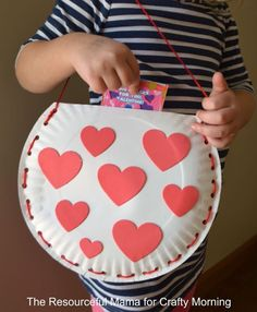 These Valentine's Day Kids Crafts Are Sure to Set Your Heart.- These Valentine's Day Kids Crafts Are Sure to Set Your Heart Aflutter Paper Plate Valentine Bag Craft for Kids – Crafty Morning - Kinder Valentines, Valentines Day Activities, Valentine Box, Valentines Day Party, Saint Valentine, Printable Valentine, Homemade Valentines, Valentine Wreath, Valentines Ideas For Preschoolers
