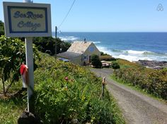 House in Yachats, United States. Perched on the rocks overlooking the pacific ocean's  crashing waves sits this 1940's coastal cottage. It has been a vacation retreat for over thirty years, with families coming back through the decades. You will have your own private path through...