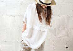JOINERY - スザンヌ·レイによる特大Tシャツ