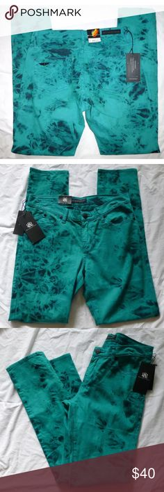 """Rock and Republic Berlin skinny jeans- size 4 Rock & Republic  Womens  Berlin Skinny Jeans  Tag Size 4 M - Measured Size 30x31  99% Cotton 1% Spandex  Green, Black Tie Dye  New With Tags  Retails $88  Measurements   Waist 30""""  Inseam 31""""  Rise 8""""  Leg Opening 6""""  Hips 17.5"""" ( Lying Flat) Rock & Republic Jeans Skinny"""