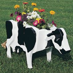 Buy Woodworking Project Paper Plan to Build Cow Planter, Plan No. 825 at Woodcraft.com