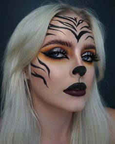 Are you looking for ideas for your Halloween make-up? Browse around this website for creepy Halloween makeup looks. Cute Halloween Makeup, Halloween Eyes, Halloween Makeup Looks, Easy Halloween, Halloween Recipe, Halloween Parties, Women Halloween, Halloween Nails, Tiger Halloween Costume