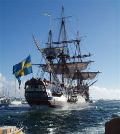 The 2nd of October 2005 our rebuilt replica of the East Indiaman Gotheborg is leaving Gothenburg for her voyage to China. In a few moments she will safely pass the exact location where the original foundered on homecoming in 1745. Photo © Anders Danielsson, Göteborg, Sweden, 2005