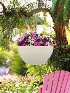 Ceiling hanging planter keeps the prestige of your house. You can hang it at anywhere but it looks more eye-catching and attractive at living room where you usually welcome guests. Flower Planters, Hanging Planters, Flower Pots, Planter Pots, Wall Planters, Unique Home Decor, Home Decor Items, Pot Hanger