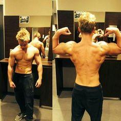make sure to have a look at my bros page @david_fitnessaesthetic he's doing workout for 3 years now and has an incredible physique. If you are looking for good meals then it's definitely worth a follow   Schaut mal bei meinem bro @david_fitnessaesthetic rein. Er trainiert seit 3 jahren und hat eine super form. Wenn ihr euch für gute Gerichte interessiert lohnt sich ein Follow auf jeden Fall   #fitnessmodel #instafit #fitnessaddict #fitspo #fitspiration #shape #bodybuilding #calisthenics…
